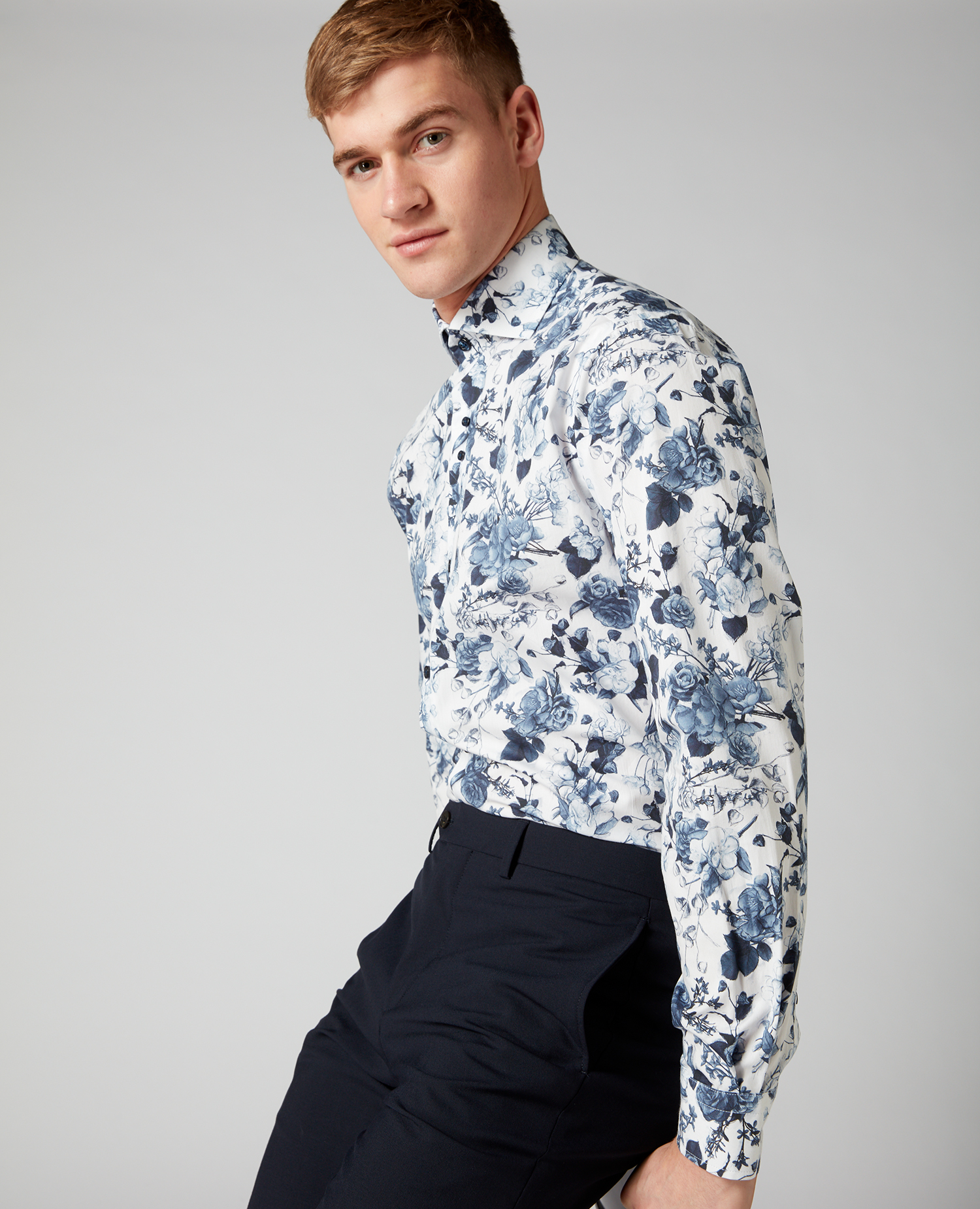 Tapered Fit Printed Compact-Cotton Shirt